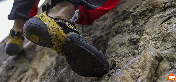 placing your feet climbing