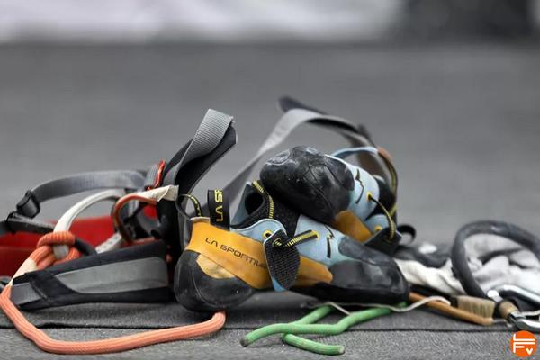 materiel escalade violence sexuelle sport