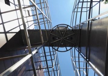 Sous l'arche (Architecture Studio)