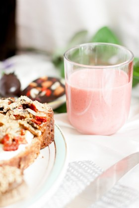 Brunch des amoureux - milkshake fraise & noix de cajou {vegan, sans gluten, IG bas} | www.lafaimestproche.com