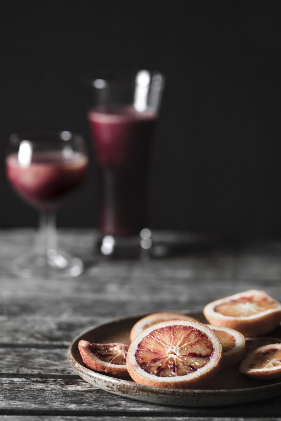 Jus oranges sanguines, chou rouge, betterave et gingembre | www.lafaimestproche.com