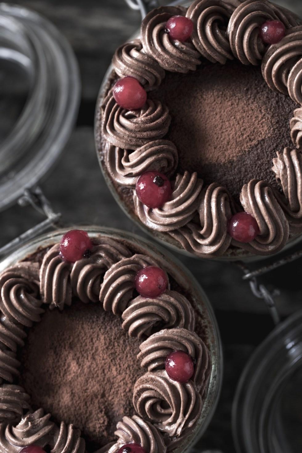Verrines de Pâques chocolat et crème de coco {sans gluten, sans lactose, IG bas} | www.lafaimestproche.com