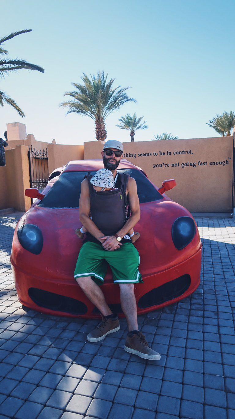 Voyage au Maroc Ouarzazate, Atlas Studio, red car