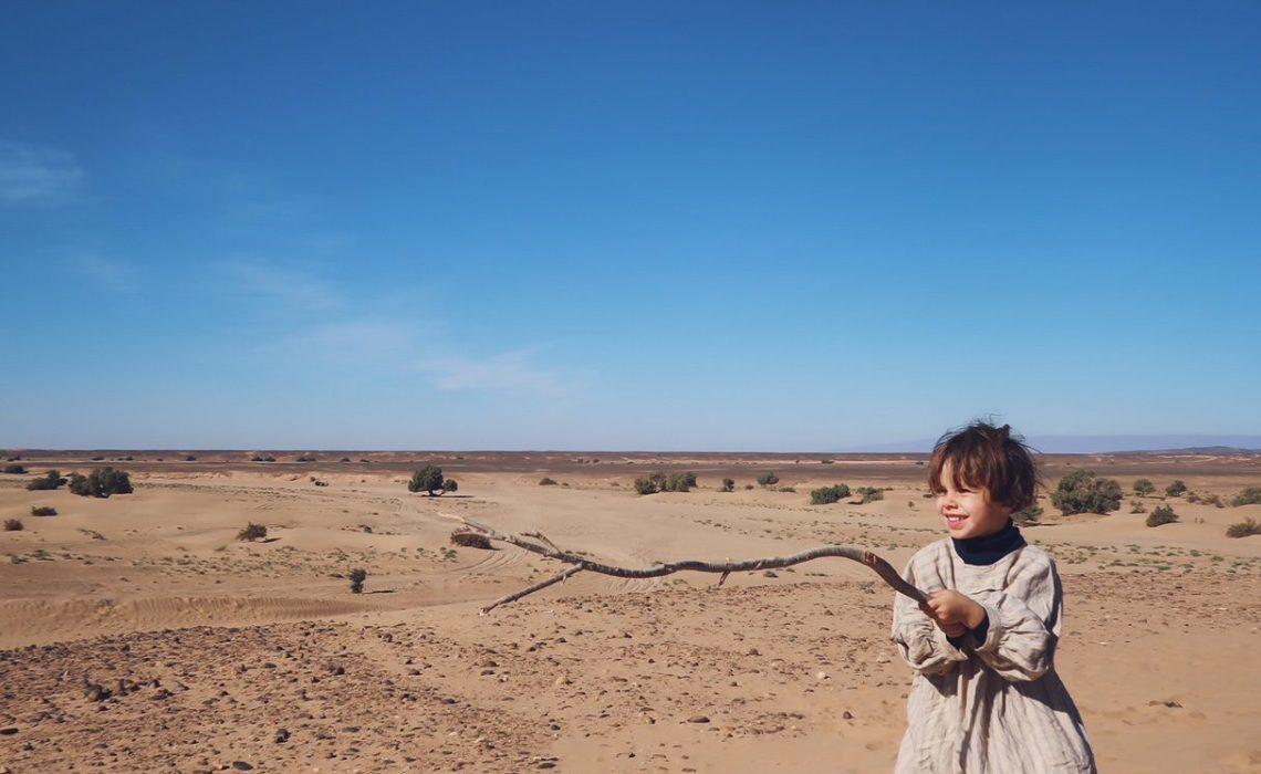 Voyage au Maroc excursion Desert Sahara Erg Chegaga avec les enfants
