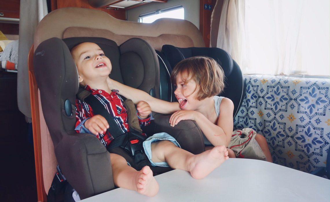 Voyager avec un bébé les indispensables siège auto
