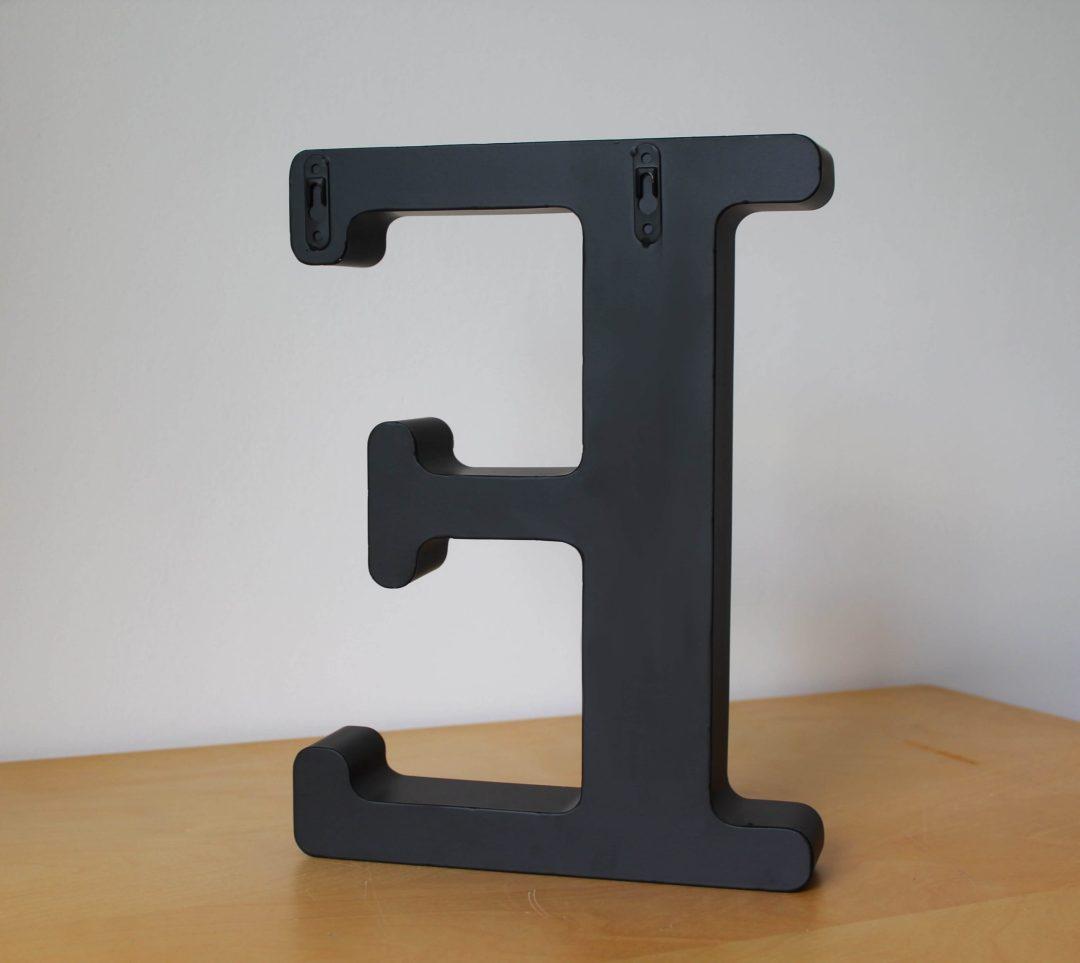 Lettre E porte bouchon