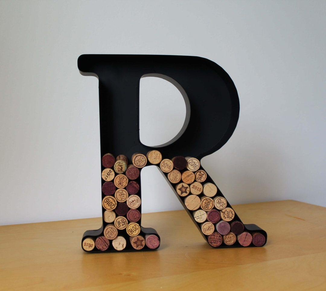 Lettre R porte bouchons