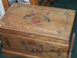 folk_art_chest