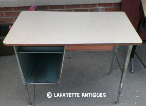metal_school_desk