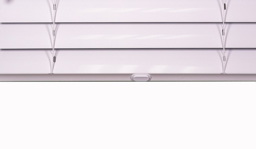lift and lock child-safe lifting systems for window treatments