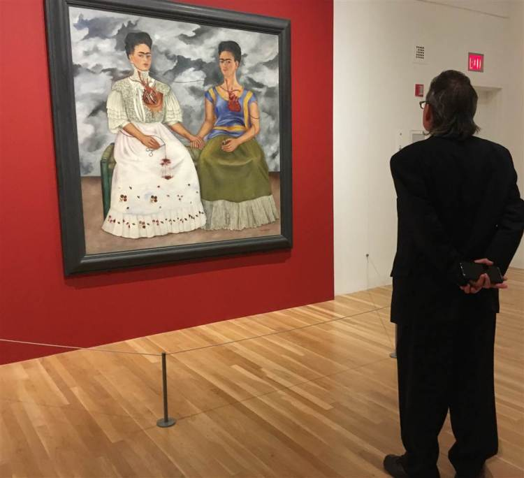 170625-frida-kahlo-dallas-museum-sg-1525_02741b4025e7b55b2446f4dfd65fed67.nbcnews-ux-2880-1000