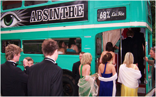 Students of Queen's College Cambridge boarding the La Fée Absinthe bus