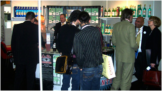 Customers buying La Fée absinthe