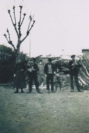 Julien Blancon à la cabrette à droite