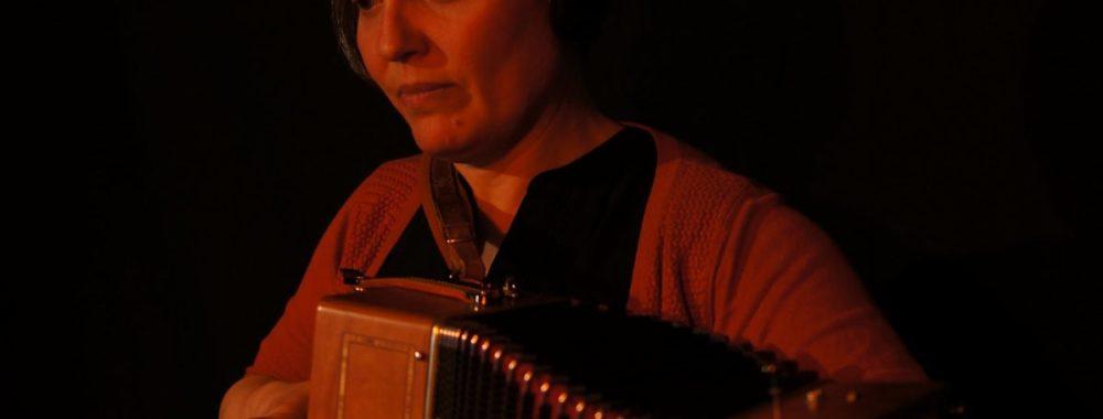 La Rousse – Le bout du banc – Marjorie Stéphany