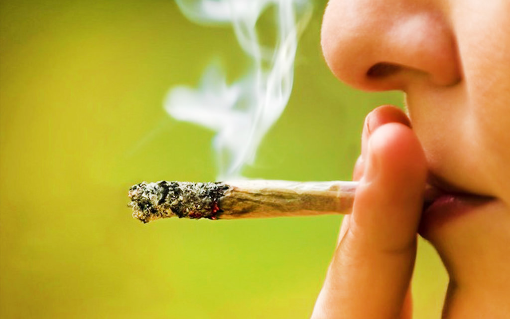 5 Reasons Why Government should make Marijuana legal in India - Laffaz