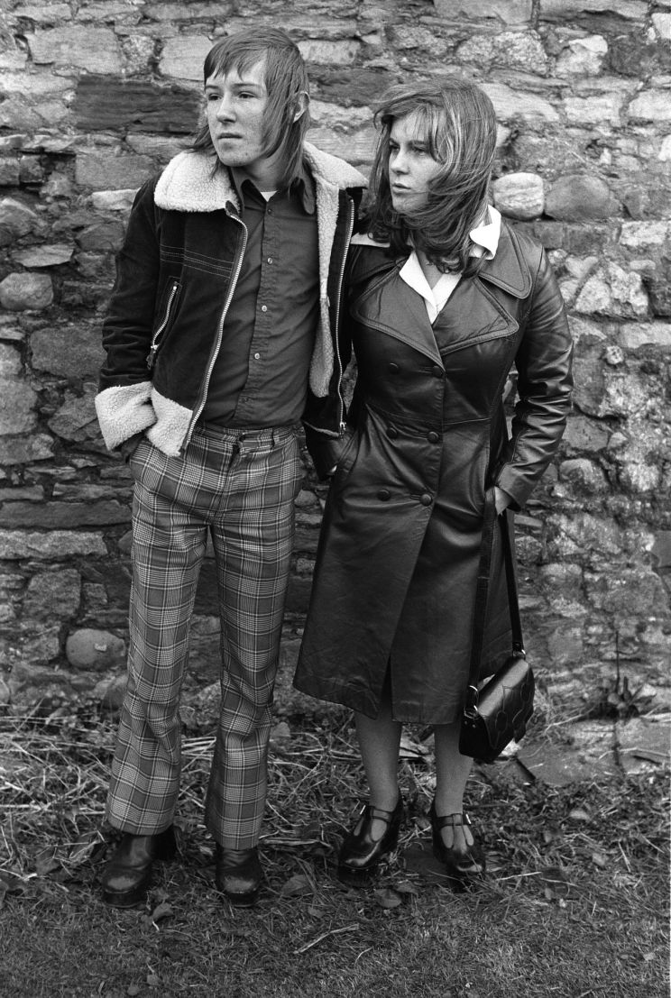 Fashionably dressed teenage couple, Margaret and Barry Kirkbride. Workington, Cumbria, England, 1975. ©Homer Sykes/Courtesy Les Douches la Galerie