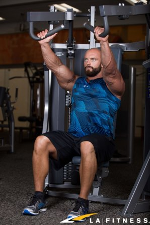 How to use the Incline Chest Press Machine at LA Fitness (1)