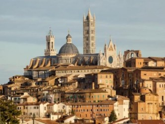 Visit Siena the Gothic city in the heart of Tuscany a real experience