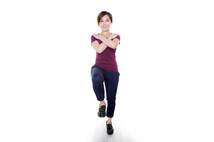 File:Single leg stand 2.jpg