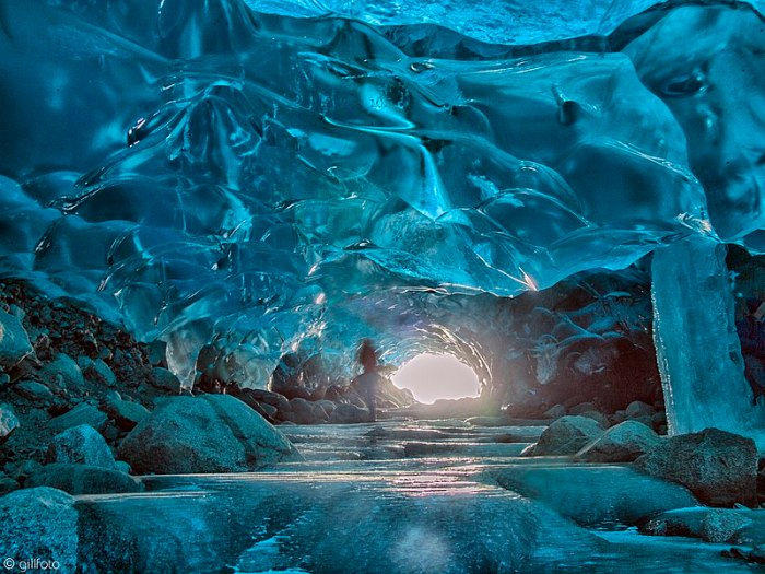 File:Ice Cave Exit 268.jpg