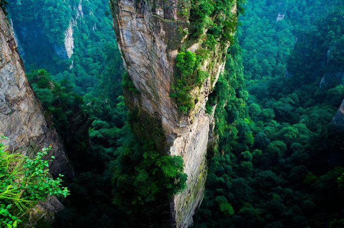 File:ZhangjiajieNP1.jpg
