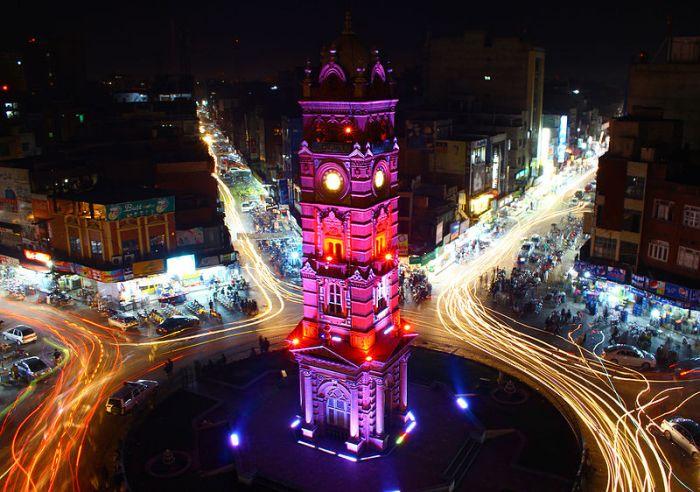 File:Clock Tower Faisalabad by Usman Nadeem.jpg