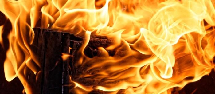 C:\Users\Zubair\Downloads\MaxPixel.net-Hot-Heat-Flame-Wood-Embers-Fire-Glow-Burn-Light-4342582.jpg