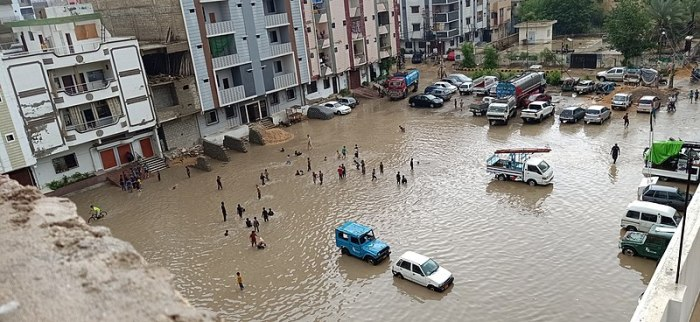 File:P & T colony Karachi.jpg