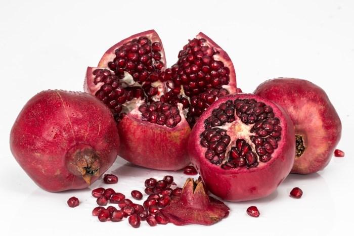 C:\Users\Zubair\Downloads\pomegranate-3259161_1920.jpg