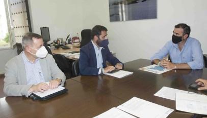 Javier-Pizarro-con.representantes-de-FAECC