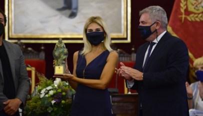 Sandra-Golpe-pregonera-del-Trofeo-Carranza