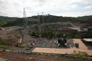 Gobierno busca avanzar en acuerdos sobre Barro Blanco y proyectos de desarrollo en la comarca