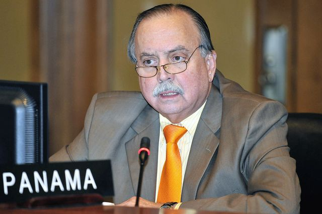 """Guillermo Cochez: """"La Procuradora y el Contralor deben renunciar"""""""