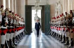 """Macron promete """"Estado de bienestar del siglo XXI"""""""