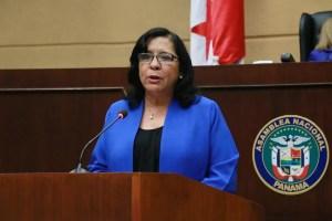 Marcela Paredes renuncia a MEDUCA y será Embajadora en Chile