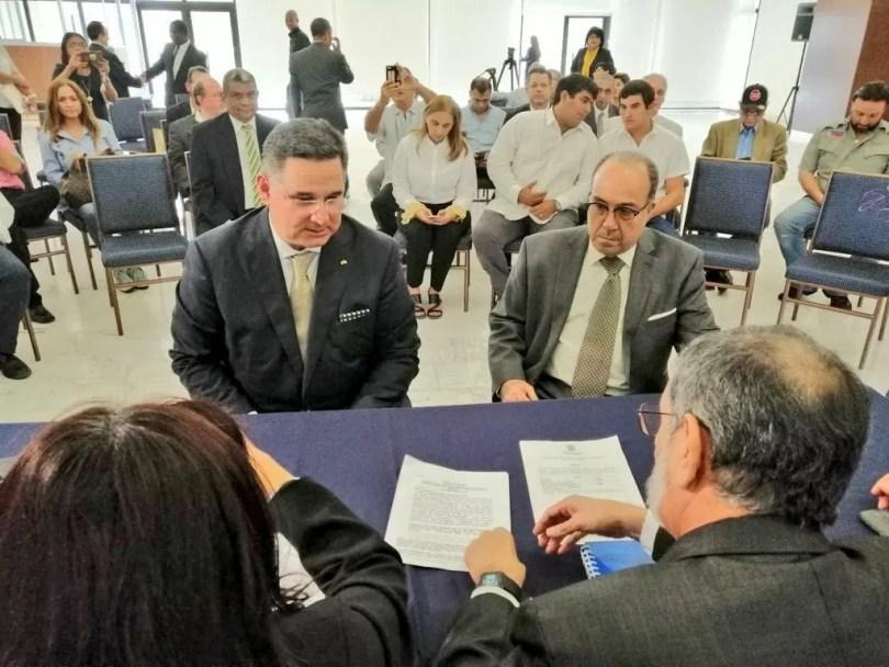 Marco Ameglio presenta a Mario Boyd Galindo como su vicepresidente