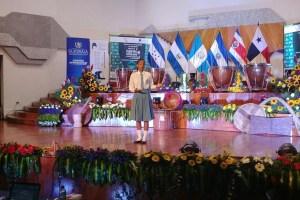 Panameña gana concurso internacional de Oratoria en Guatemala