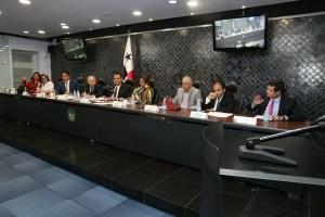 Comisión de Credenciales aprueba enviar al pleno designaciones de Abel Zamorano y Olmedo Arrocha