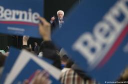 Sanders lidera primarias demócratas en New Hampshire arriba de Buttigieg y Klobuchar