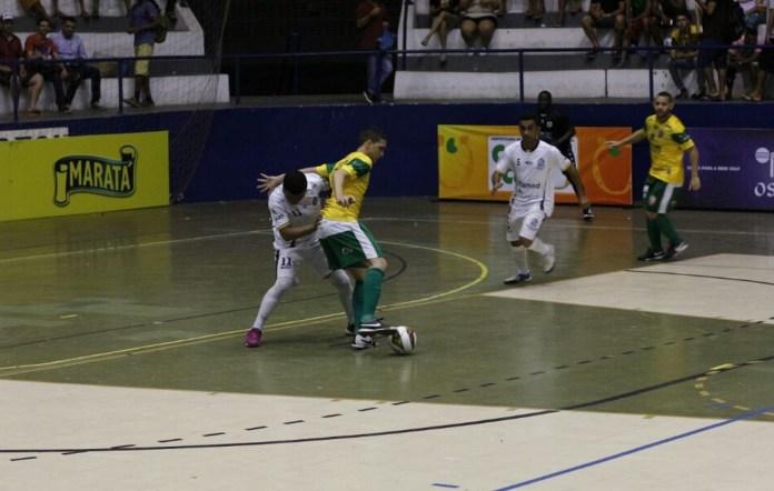 Lagarto foi melhor no primeiro tempo. Aracaju reagiu no segundo tempo (Foto: João Áquila / GloboEsporte.com)