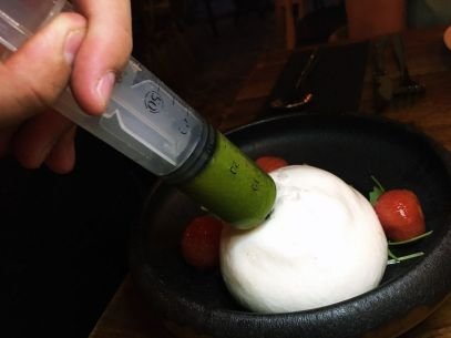IMG_3691-Inclan-Brutal-Bar-Madrid-Burrata-Tomate-Rucula-Pesto