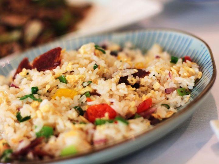 Casa-Lafu---Arroz-frito-con-salchicha-cantonesa