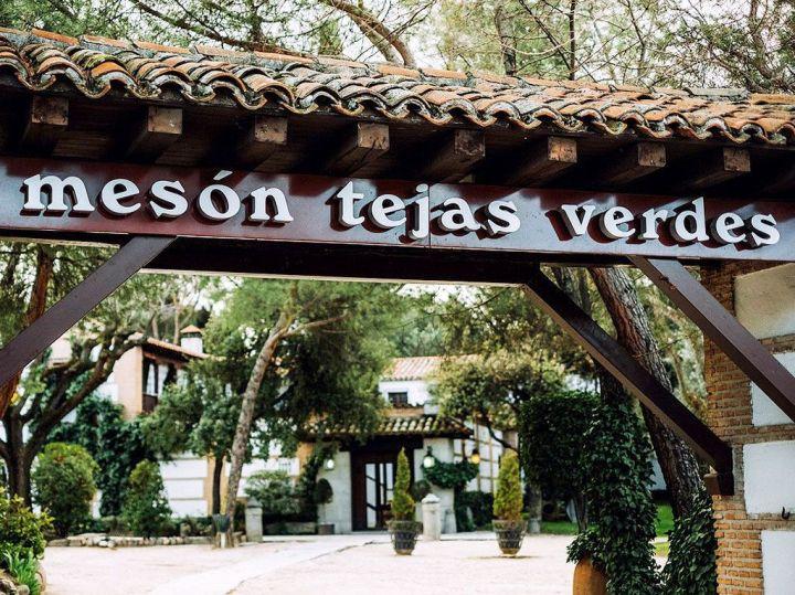 Fachada-Restaurante-Tejas-Verdes-San-Sebastian-de-los-Reyes