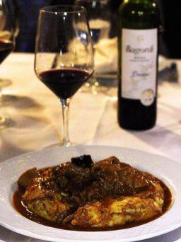 Tortilla-con-Callos-Vino-Tinto-Tejas-Verdes-San-Sebastian-de-los-Reyes