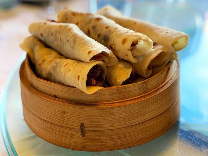Rollitos-pato-pekines-Restaurante-El-Bund-China-Taste-2019.jpg
