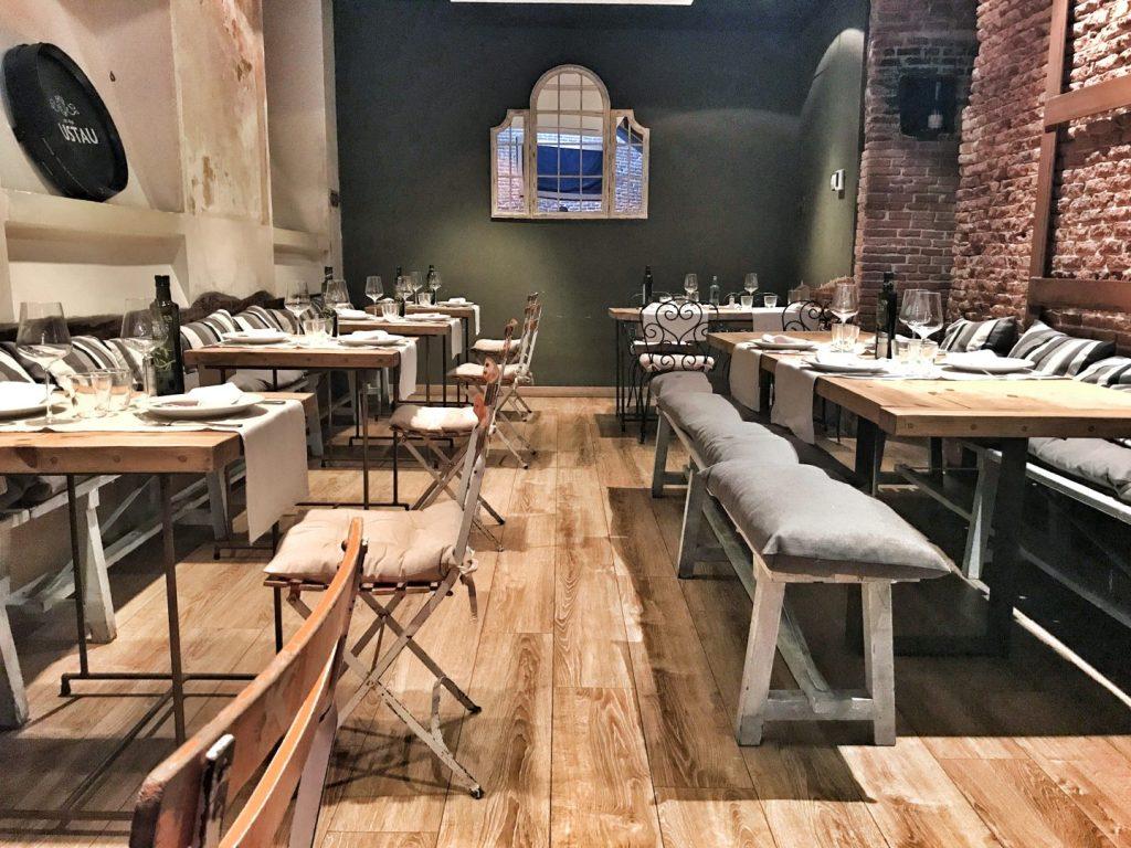Salón de taberna Condumios. Restaurantes en Madrid