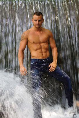 beaux-gosses-gay-clubjimmy-02012017-03
