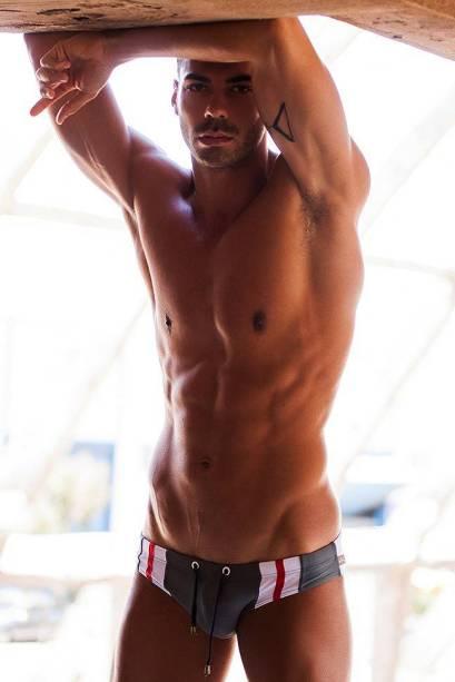 beaux-gosses-gay-clubjimmy-060817-14