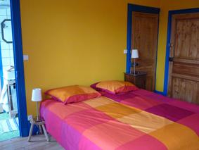 Chambre d'hôtes La Gémuloise chambre côté vignes lit double